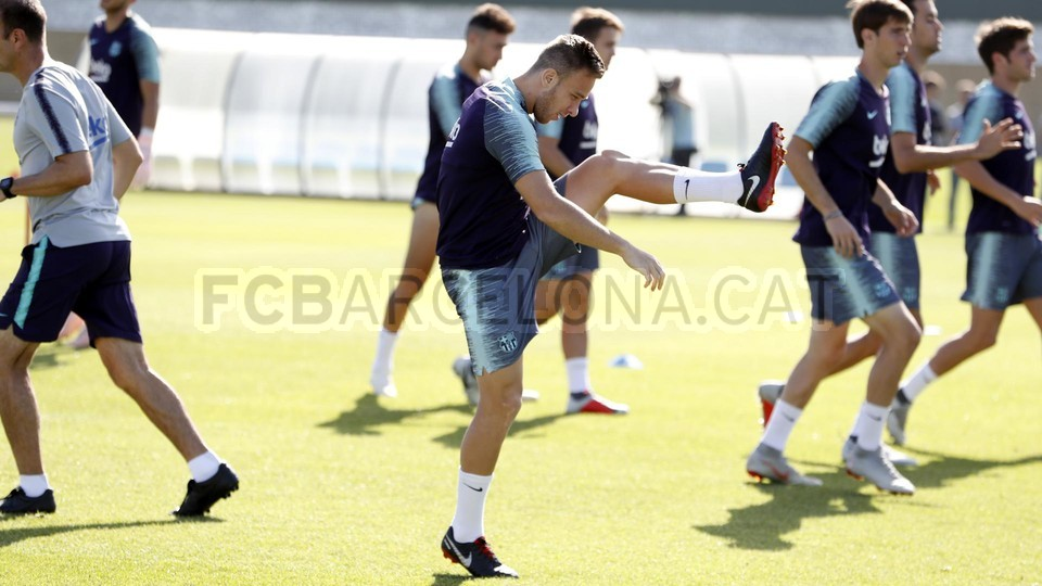 تدريبات مكثفة في برشلونة بعين على مباراة السبت Vs أتلتيك بيلباو 99864553