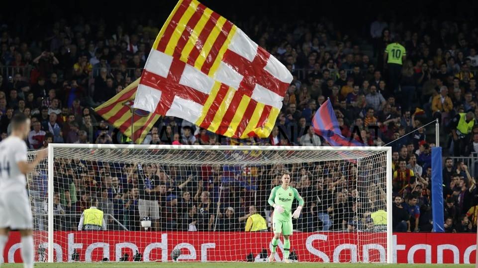 صور مباراة : برشلونة - إنتر ميلان 2-0 ( 24-10-2018 )  101552619