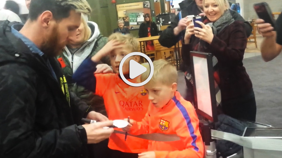Faces of joy in glasgow as fc barcelona players meet two young fans after the win at celtic park two fans were able to meet their heroes at the airport our video captures the excitement that the moment brought to a couple m4hsunfo Choice Image