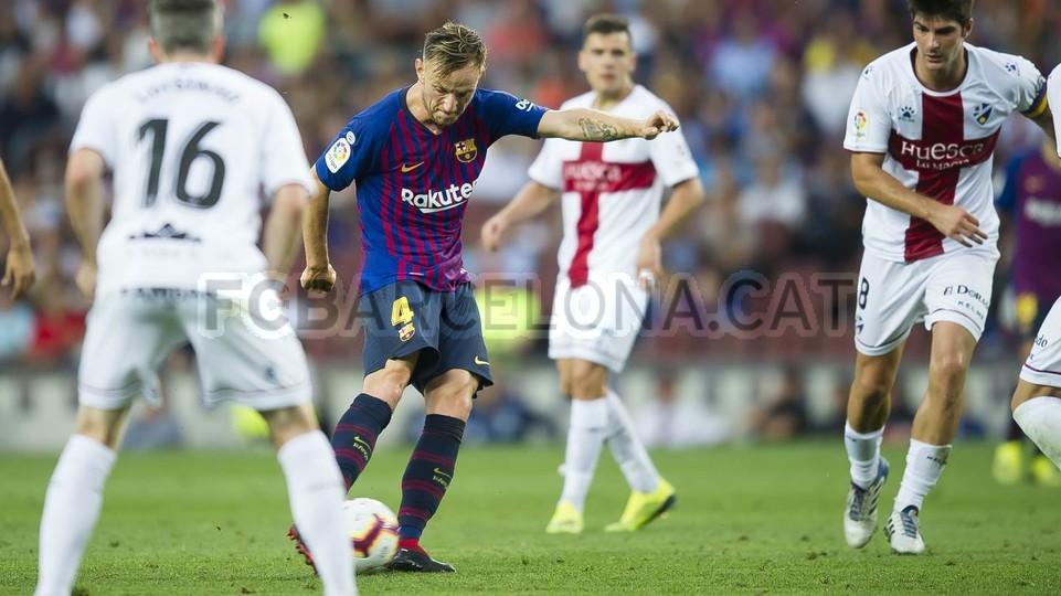 صور مباراة : برشلونة - هويسكا 8-2 ( 02-09-2018 )  97440242