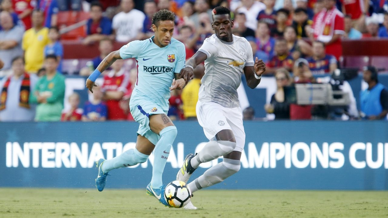 Neymar is once again Barça's only goal scorer, this time in a 1–0 victory over Manchester United at FedExField