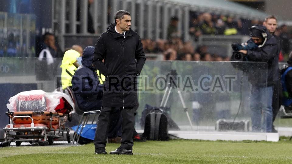 صور مباراة : إنتر ميلان - برشلونة 1-1 ( 06-11-2018 )  102164471