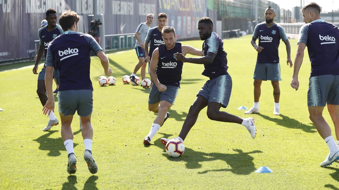 Ezkieta, Morer, Miranda, Collado and Riqui Puig of Barça B join the first team as the focus switches from the Champions League to the upcoming Catalan derby