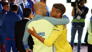 'Tunnel cam' ahead of FC Barcelona v Villarreal