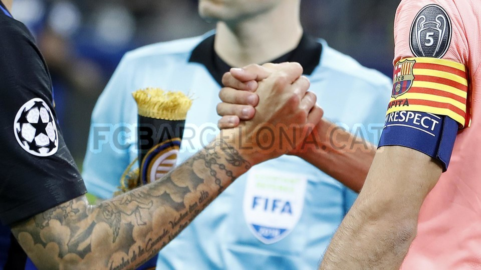 صور مباراة : إنتر ميلان - برشلونة 1-1 ( 06-11-2018 )  102198524
