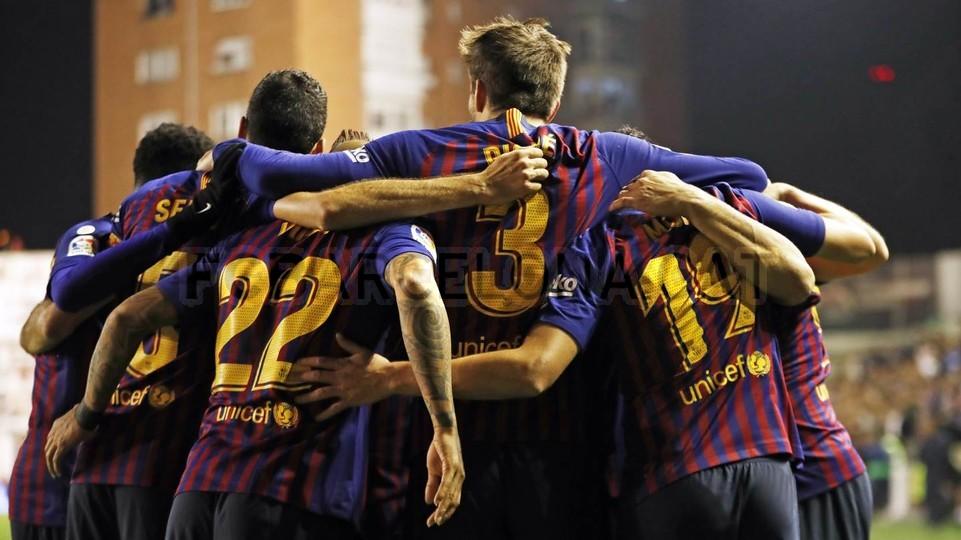 صور مباراة : رايو فاليكانو - برشلونة 2-3 ( 03-11-2018 )  102038526