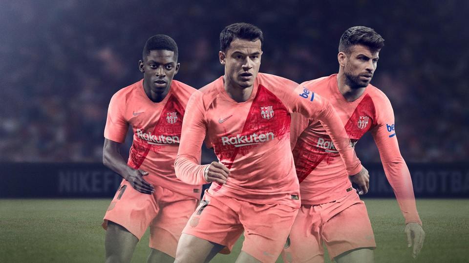 Le Barça dévoile son maillot third
