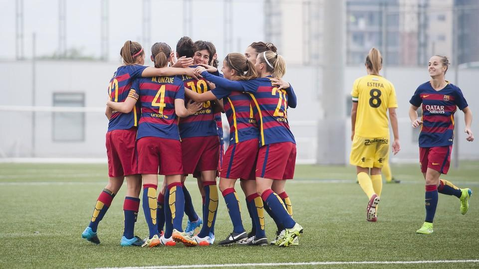 First international soccer camp for girls in barcelona fcb escola - Forlady barcelona ...