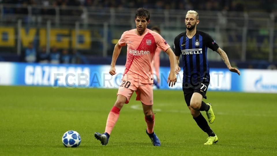 صور مباراة : إنتر ميلان - برشلونة 1-1 ( 06-11-2018 )  102164507