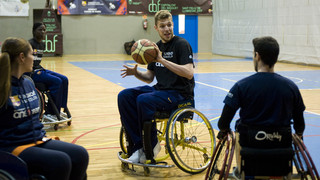Special 'One Team' session with Vezenkov, Niang and the athletes from UNES Unió Esportiva