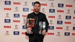 Leo Messi receives 2017-18 Top Goalscorer and Player of the Year awards