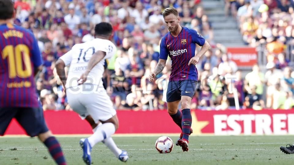 صور مباراة : برشلونة - بوكا جونيورز ( 16-08-2018 )  95974429