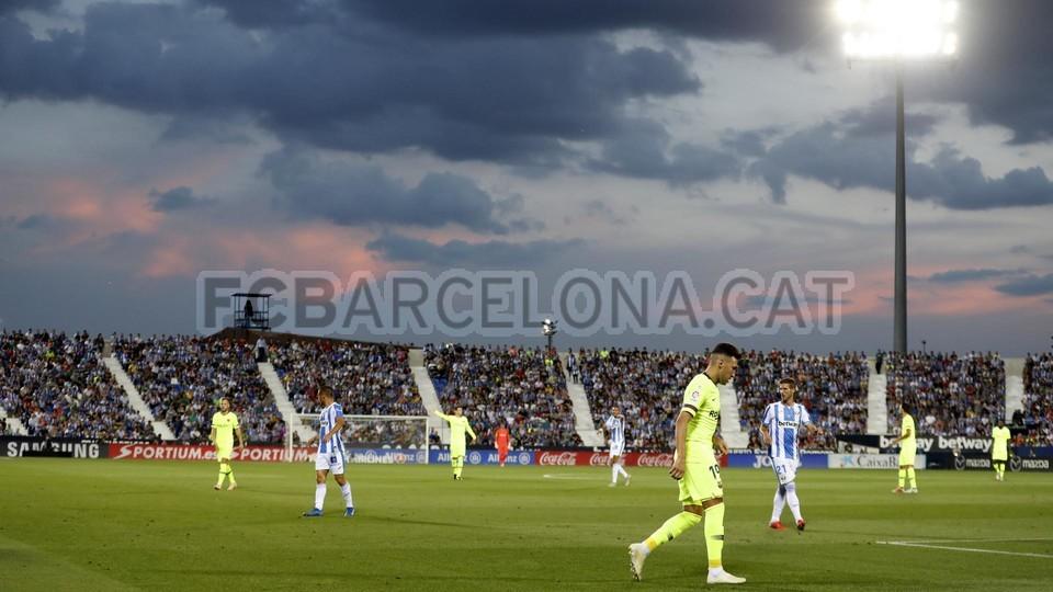 صور مباراة : ليغانيس - برشلونة 2-1 ( 26-09-2018 ) 99848477