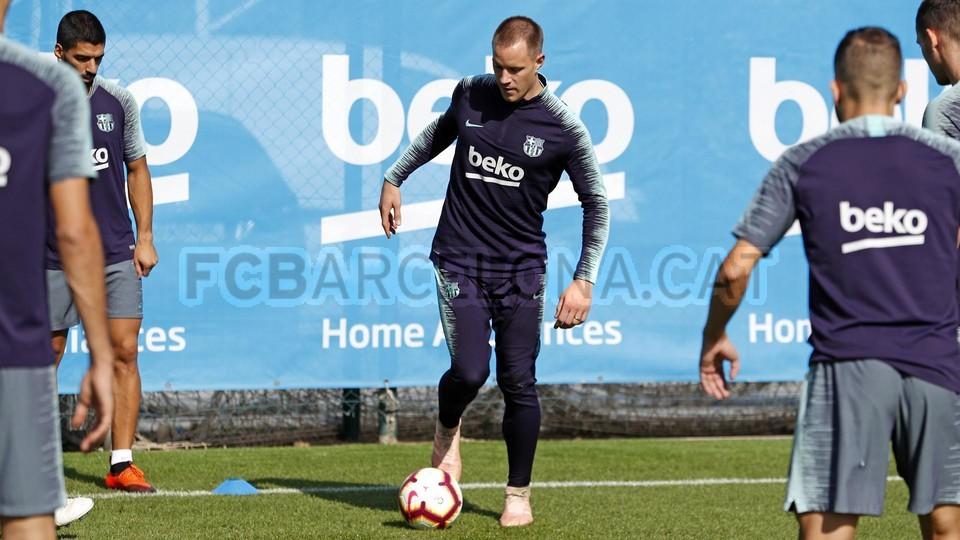 تدريبات مكثفة في برشلونة بعين على مباراة السبت Vs أتلتيك بيلباو 99864607