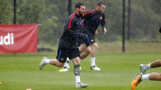 Barça's morning workout in Whippany a wet one