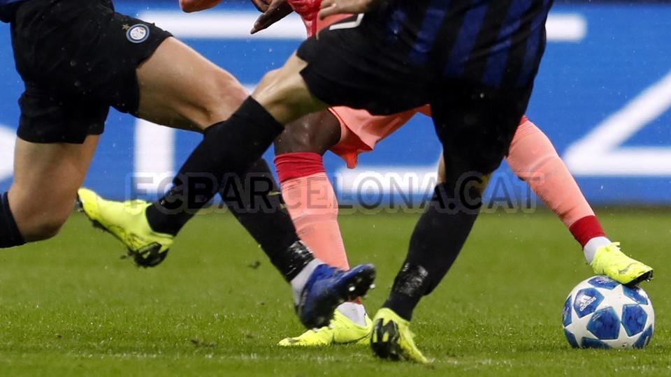صور مباراة : إنتر ميلان - برشلونة 1-1 ( 06-11-2018 )  102198560