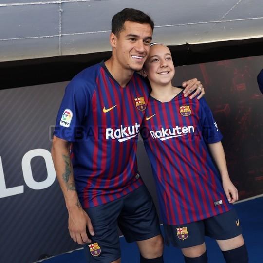حفل تقديم القميص الجديد لنادي برشلونة لموسم 2018-2019 83941920