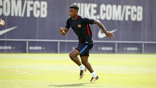 Barcelona's final training session before flying out for American tour