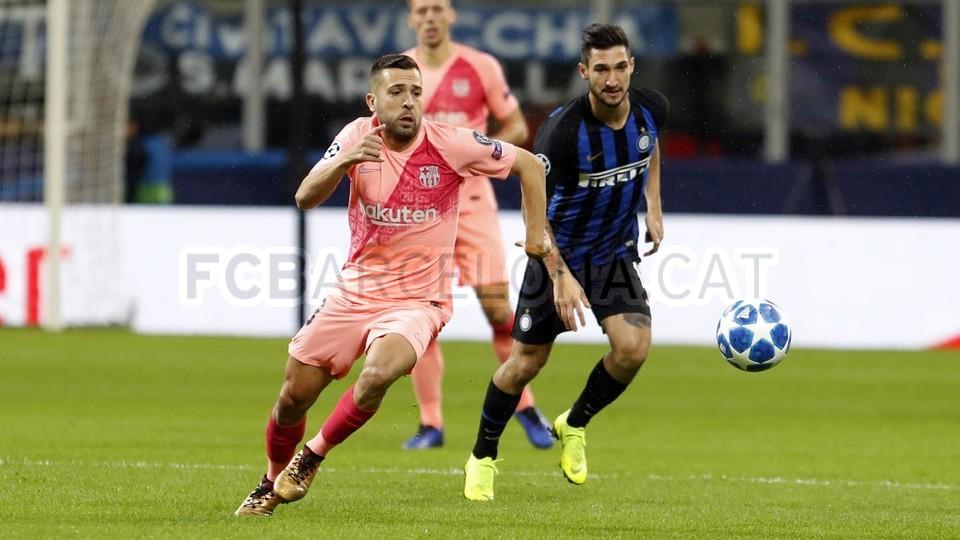 صور مباراة : إنتر ميلان - برشلونة 1-1 ( 06-11-2018 )  102161187
