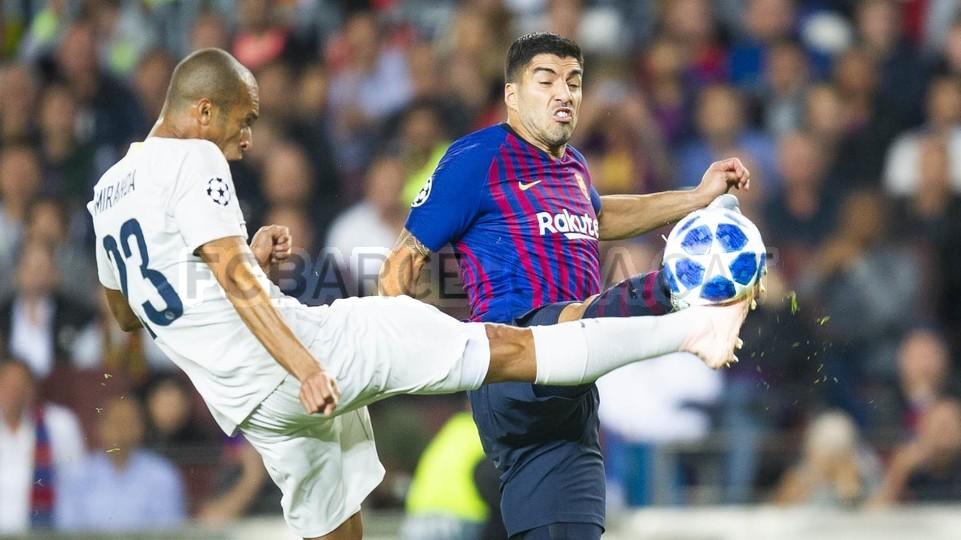صور مباراة : برشلونة - إنتر ميلان 2-0 ( 24-10-2018 )  101527331