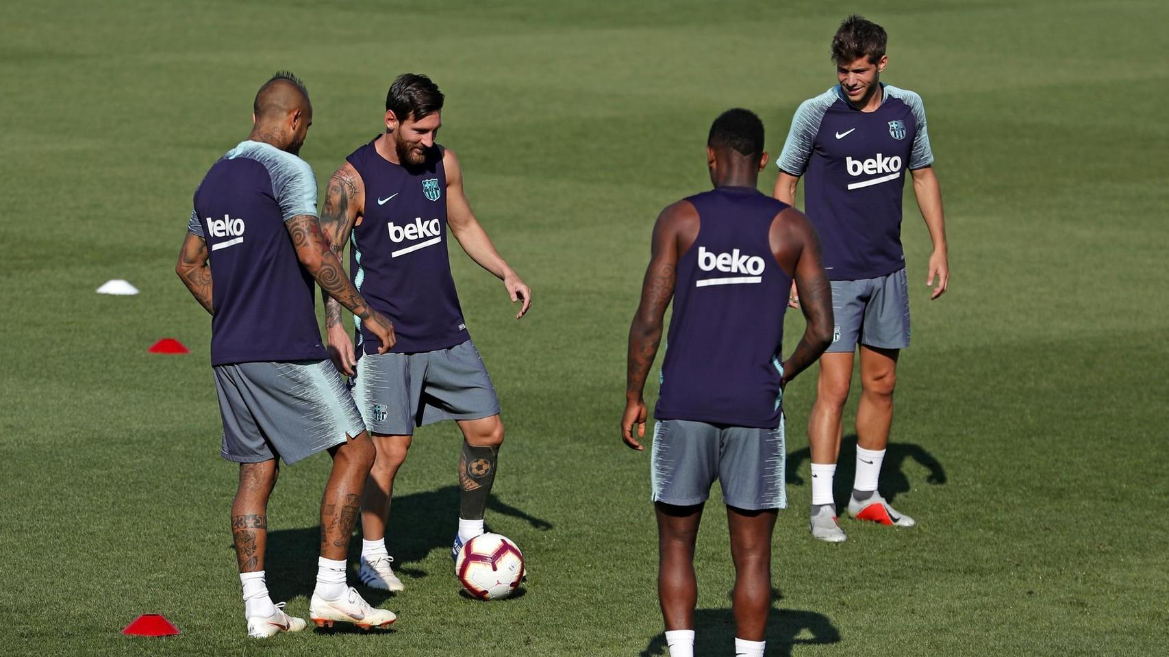 تدريبات الفريق الأول 22-08-2018 96447268