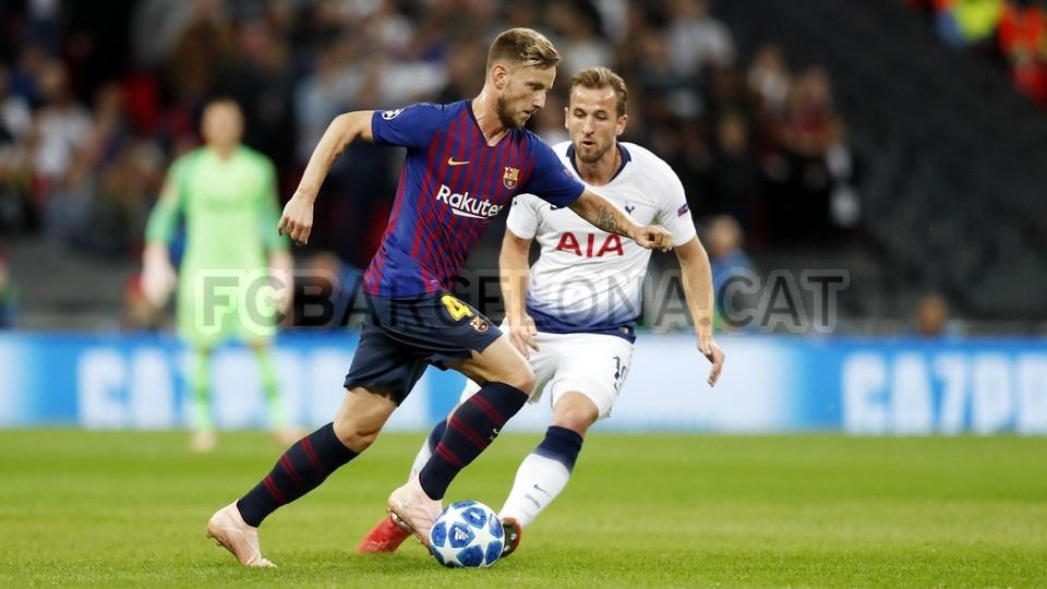 صور مباراة : توتنهام - برشلونة 2-4 ( 03-10-2018 )  100647972