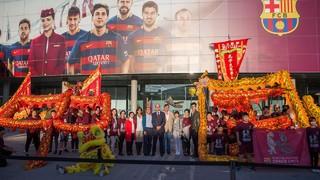 La Penya Barcelonista Dracs Units es presenta al Camp Nou