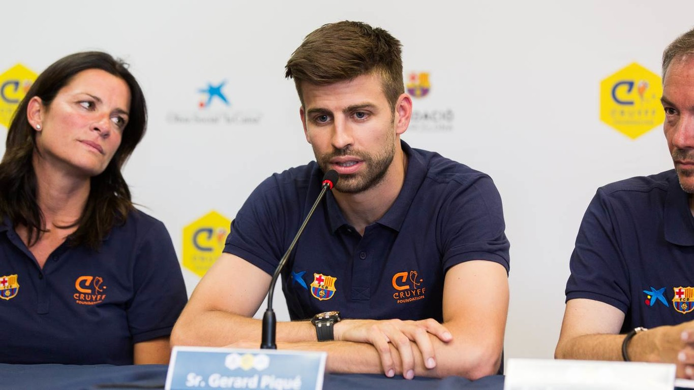 The blaugranas' centre back spoke about the first team's current situation at the inauguration of the Cruyff Court in Sant Guim de Freixenet