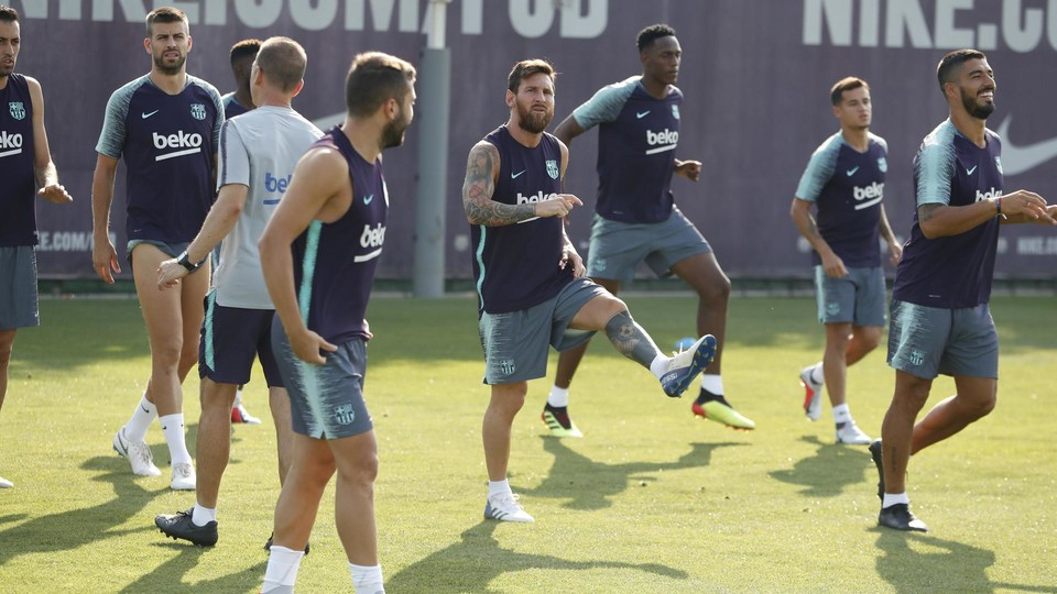 Morning training took place at a sunny Ciutat Esportiva Joan Gamper