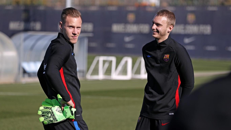 El FC Barcelona, con la victoria ante el Betis todavía muy reciente, se ha ejercitado en el campo 3 de la Ciudad Deportiva con los disponibles del primer equipo