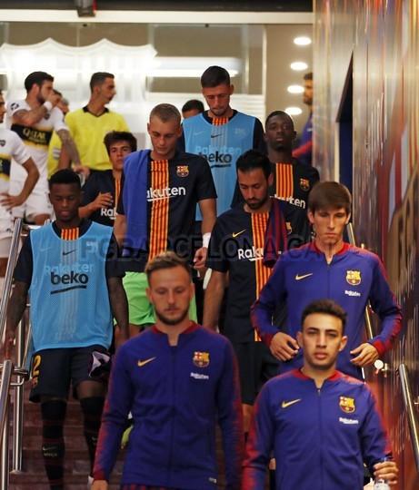 صور مباراة : برشلونة - بوكا جونيورز ( 16-08-2018 )  96024102