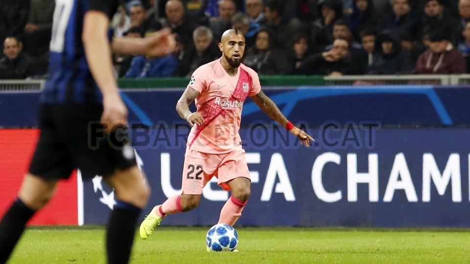 صور مباراة : إنتر ميلان - برشلونة 1-1 ( 06-11-2018 )  102164519