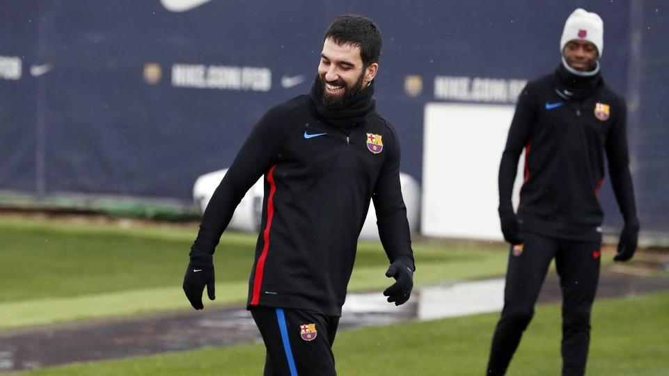 Барселона отправила Арду Турана в аренду на родину на 2,5 года