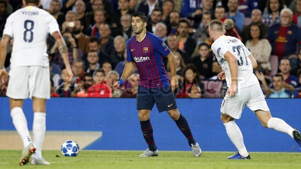 صور مباراة : برشلونة - إنتر ميلان 2-0 ( 24-10-2018 )  101520936