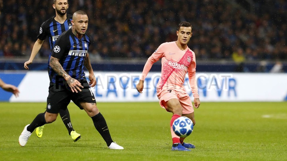 صور مباراة : إنتر ميلان - برشلونة 1-1 ( 06-11-2018 )  102161193