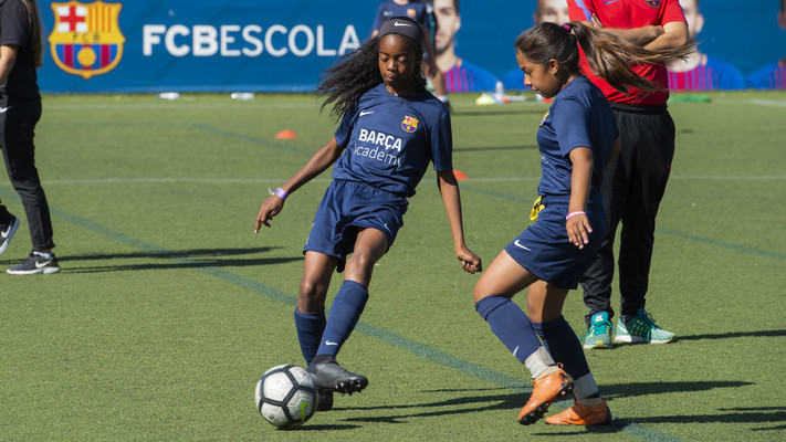 FCB Escola - La escuela de fútbol del FC Barcelona - FCB Escola 872852dccd1