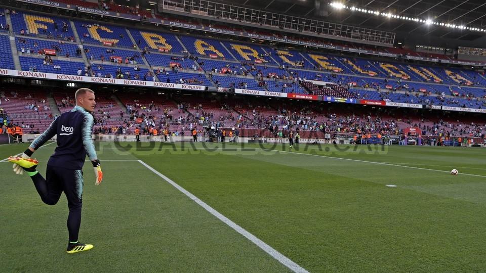 صور مباراة : برشلونة - هويسكا 8-2 ( 02-09-2018 )  97495342