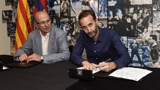 Sito Alonso firma el seu contracte com a nou entrenador del Barça Lassa