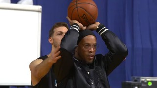 Ronaldinho lends a hand to Kilganon in slam dunk practice