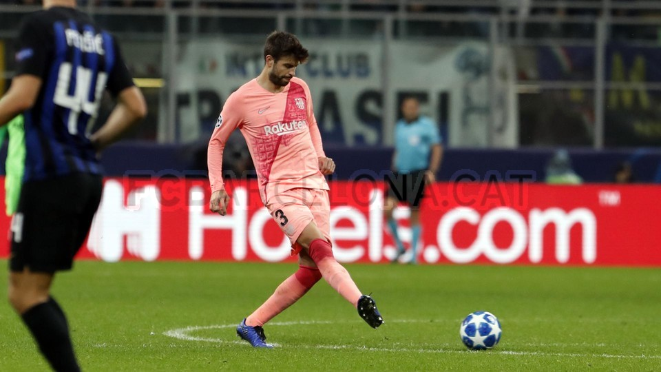 صور مباراة : إنتر ميلان - برشلونة 1-1 ( 06-11-2018 )  102164531