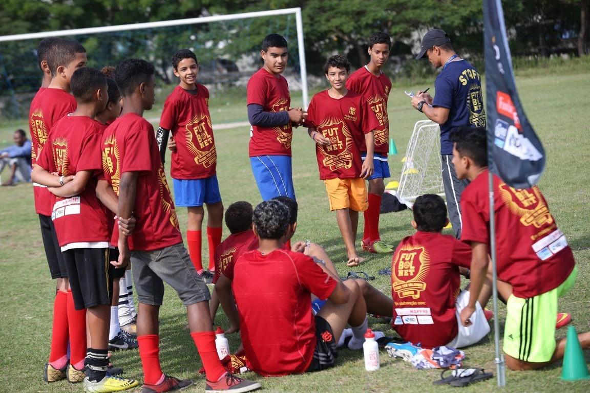 La Comunidad de Maré se vuelca en este proyecto de fomento de valores a través del fútbol promovido por la Fundación FCB y la Fundación MAPFRE