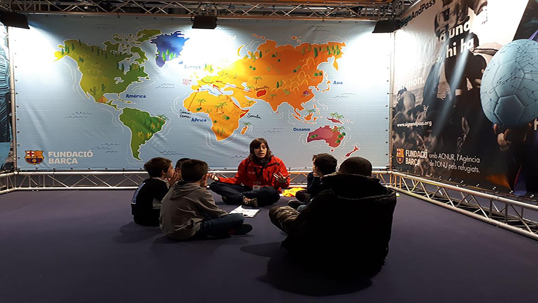 Ofereix a través de l'esport un espai de sensibilització infantil sobre les situacions d'exclusió i violència