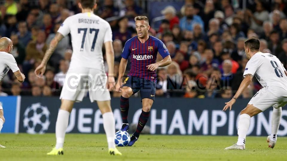 صور مباراة : برشلونة - إنتر ميلان 2-0 ( 24-10-2018 )  101520954