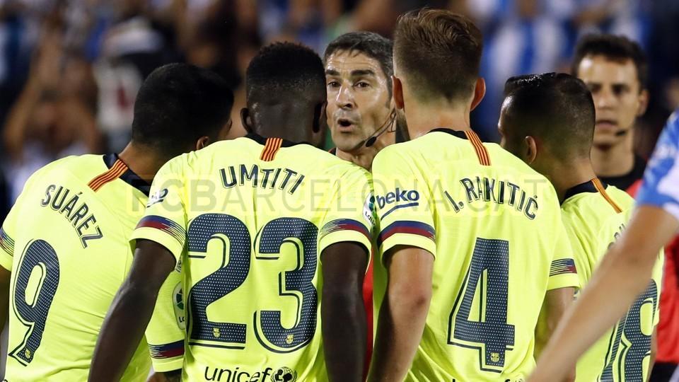 صور مباراة : ليغانيس - برشلونة 2-1 ( 26-09-2018 ) 99848507