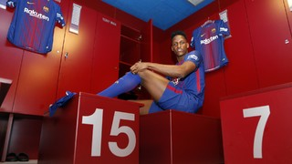 INSIDE VIEW: Yerry Mina's official presentation at FC Barcelona