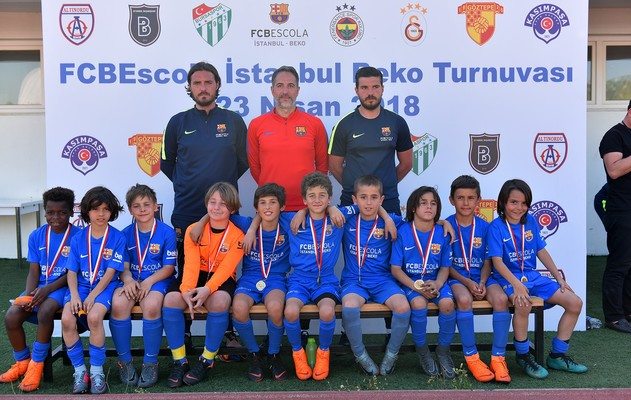 d032078178 ... big support for FC Barcelona U12A. The first International Tournament  at the FCBEscola Istanbul Beko a great success