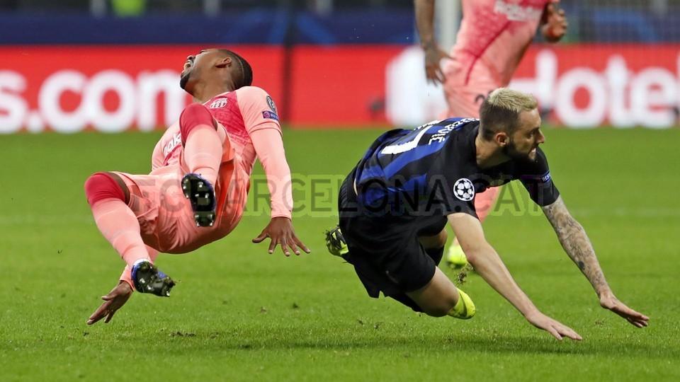 صور مباراة : إنتر ميلان - برشلونة 1-1 ( 06-11-2018 )  102198590