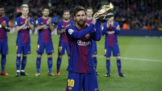 Leo Messi ofereix la seva quarta Bota d'Or al Camp Nou