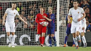 Ter Stegen's super save against Roma