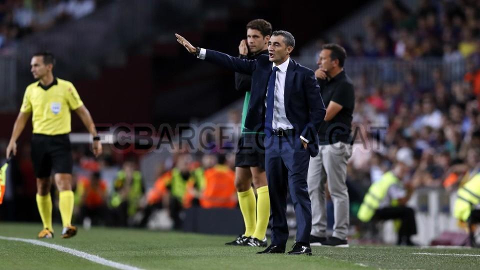 صور مباراة : برشلونة - جيرونا 2-2 ( 23-09-2018 )  99533887